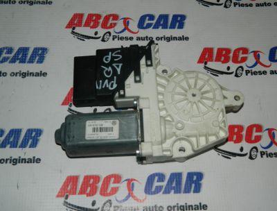 Motoras macara usa dreapta spate VW Passat B5 1999-2005 Cod: 3C9959704