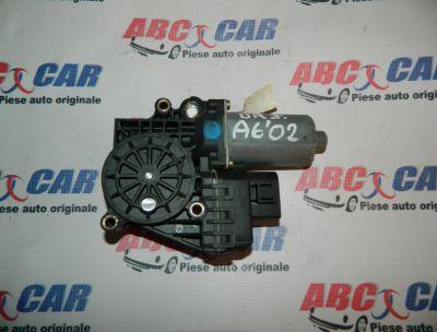 Motoras macara usa dreapta fata Audi A6 4B C5 1997-2004 Cod: 0130821774