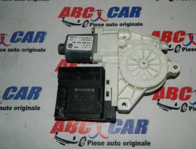Motoras macara usa stanga fata VW Jetta (1K) 2005-2011 Cod: 1K0959793L