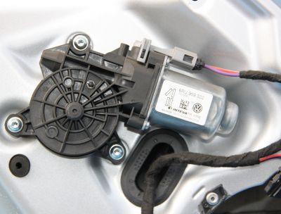 Motoras usa stanga spate VW Up 2011-prezent 6RU959802