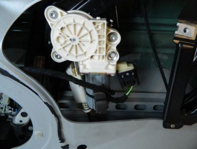 Macara stanga spate Mercedes CLS W219 2004-2010