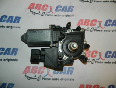 Motoras macara usa dreapta fata Audi A4 1995-2000 Cod: 8D0959802D