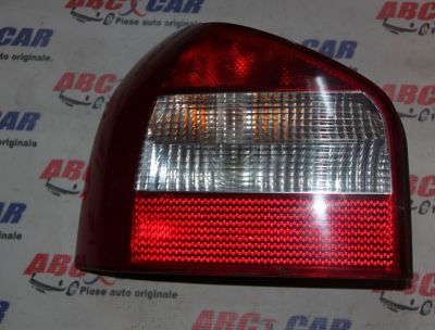 Stop stanga Audi A3 8L 2000-2004 8L0945095B (model in 2 usi)