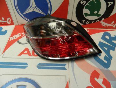 Stop stanga Opel Astra H Hatchback