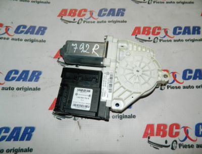 Motoras macara usa dreapta fata VW Passat CC 2008-2012 Cod: 1K0959792R