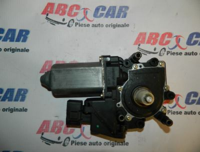 Motoras macara usa dreapta fata Audi A4 1995-2000 Cod: 8D0959802B