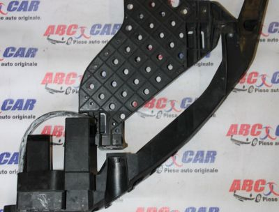 Suport far dreapta Audi Q3 8U 2011-2015 8U0805608A