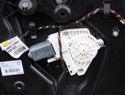 Motoras macara usa stanga fata VW Touareg (7P) 2010-2018 8K0959801B