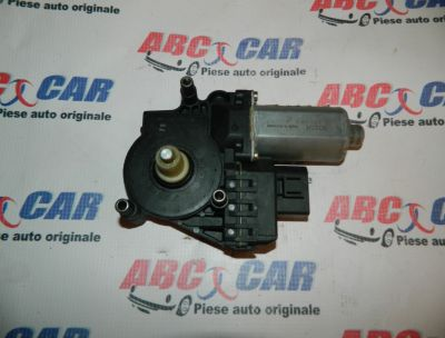 Motoras macara usa stanga fata Audi A4 1995-2000 Cod: 0130821787