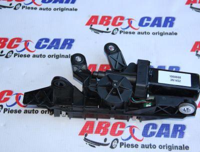 Motoras retractor centura dreapta Audi A5 8F Cabrio 2012-2014 8F0857760