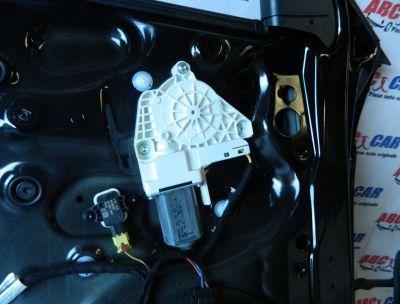 Motoras macara usa stanga fata Audi A1 8X 2010-In prezent Cod: 8K0959801C