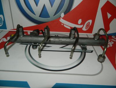 Rampa injectoare Audi A8 D3 4E 2003-2009  057130089