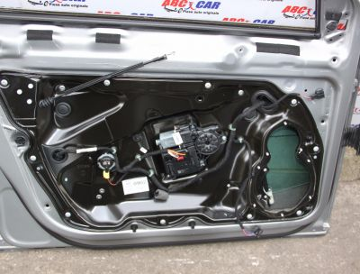 Motoras macara usa stanga fata VW Passat B7 2010-2014 3AA959701A