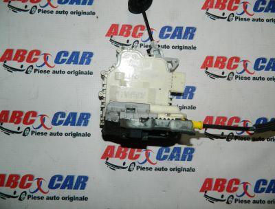 Broasca usa dreapta fata Audi Q3 8U 2011-In prezent 8J1837016C