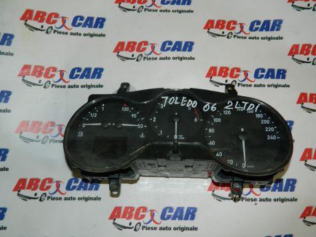 Ceasuri de bord Seat Toledo 3 (5P2) 2005-2009 2.0 TDI 5P0920822E