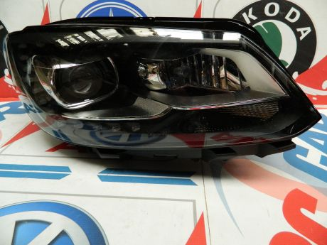 Far dreapta cu xenon VW Caddy (2K) 2014