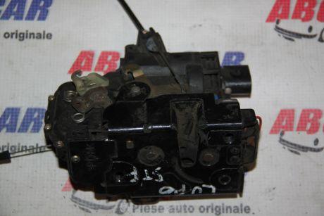 Broasca usa stanga fata Skoda Octavia 1 (1U2) 1996-20106X1837013H